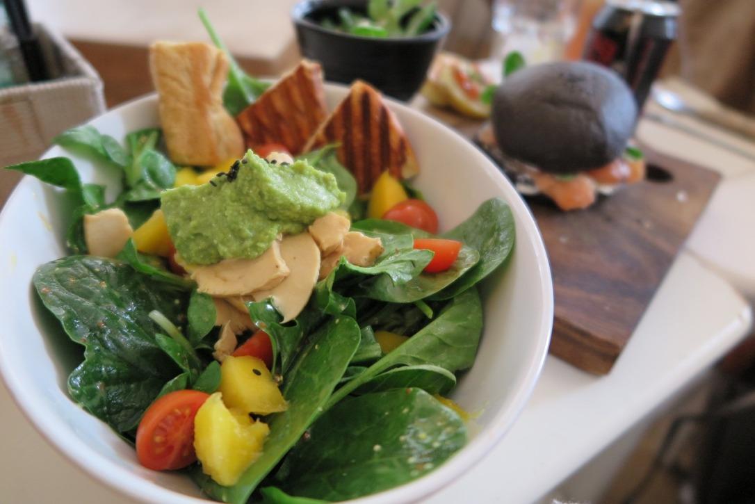 salatka z awokado.jpg